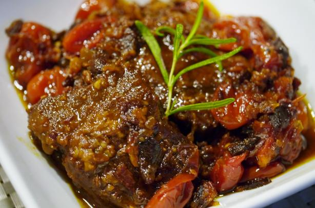 Boneless Beef Spareribs, Tomato Fig Chutney