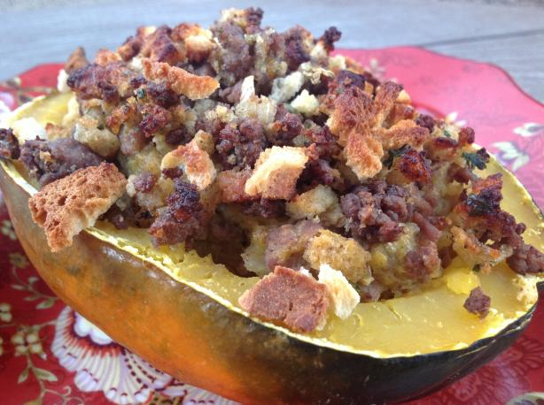 Stuffed Acorn Squash With Beef and Onion