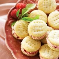 Raspberry Cream Wafers