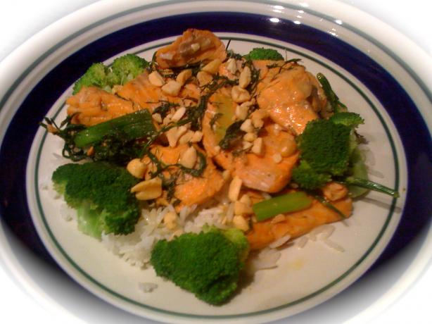Salmon Stir Fry With Dill and Green Onion