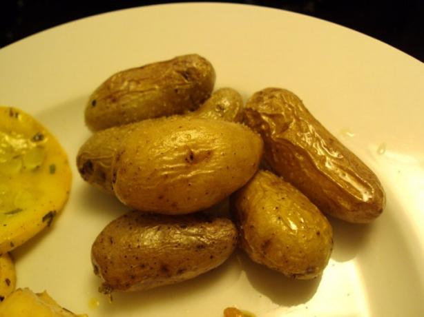 Simple Roast Fingerlings