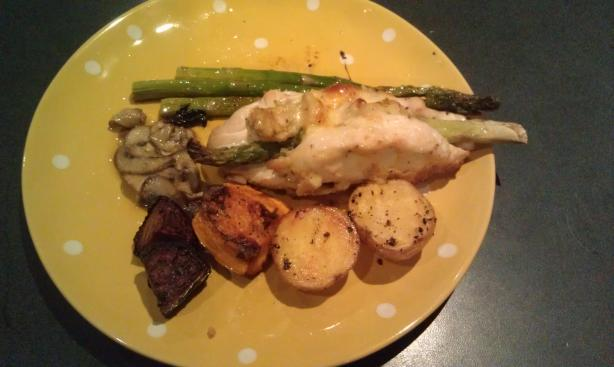 Chicken Breasts With Asparagus and Artichokes