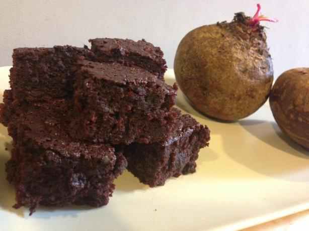 Rich & Guiltless Beetroot Brownies