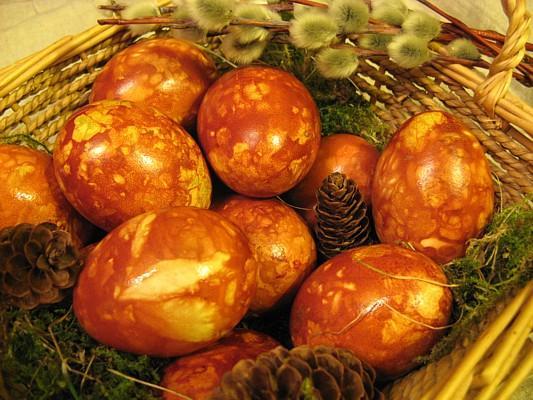 Amber-Like Easter Eggs