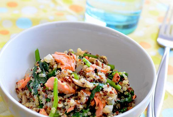 Quinoa Pilaf With Salmon, Spinach and Mushrooms