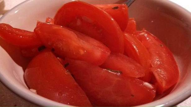 Marinated Tomatoes With Lemon