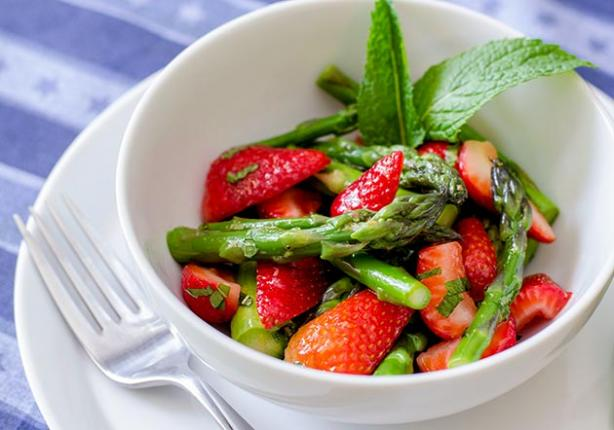 Asparagus, Strawberry and Mint Salad