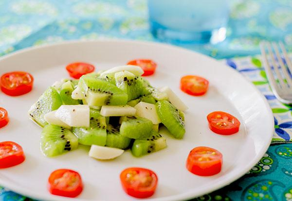 Turnip and Kiwi Salad