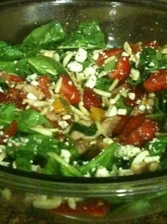 Spinach and Kale Salad With Chicken