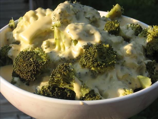 Broccoli With Onion Cheese Sauce
