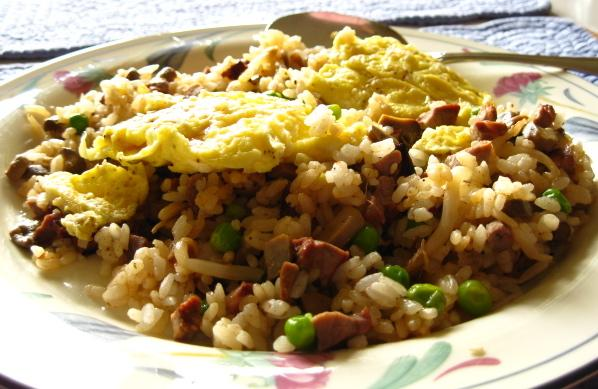 "Korean "" Oma"" Fried Rice With Egg Topping"