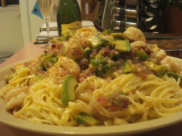 Pasta With Tomato, Avocado, and Shrimp