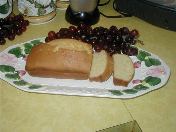 Vanilla Pound Cake*