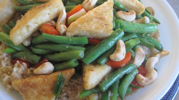 Laquered Tofu Triangles With Green Beans and Cashews