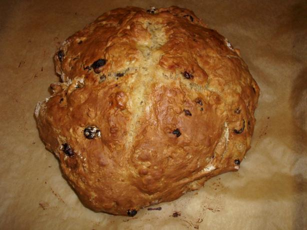 Irish Applesauce Soda Bread