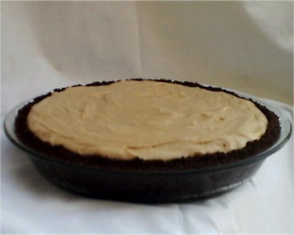 Rich and Creamy Peanut Butter Pie