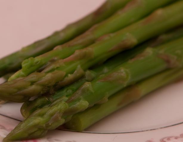 Steamed Asparagus With Lemon
