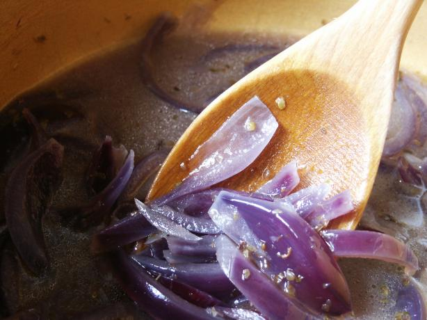 Andreas Viestad's Norwegian Red Onion Soup With Port and Jarlsbe