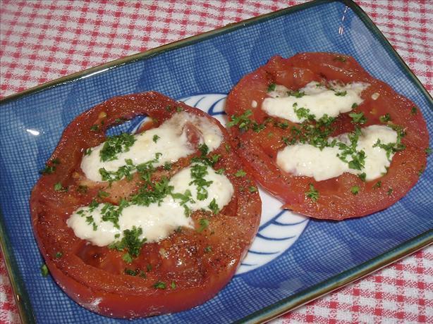 Tomatoes With Horseradish Sauce