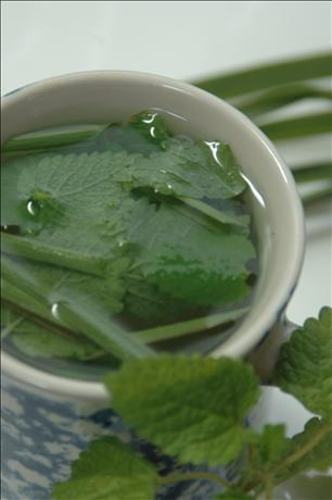 Luscious Lemongrass Tea