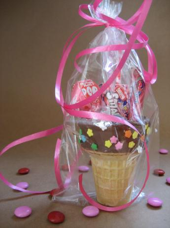Ice Cream Cones Party Favors