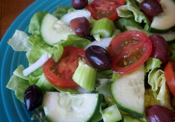 Jeanne's Tossed Salad With Italian Dressing