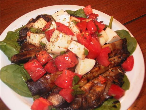 Grilled Portabella and Spinach Salad