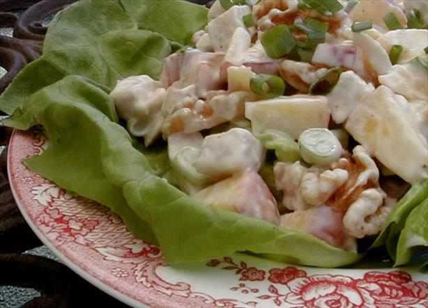 Chicken Salad With Peaches and Walnuts