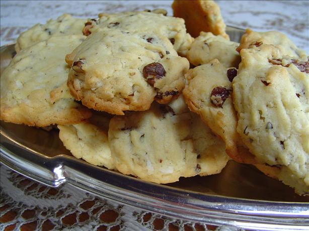 Walnut and Raisin Cookies