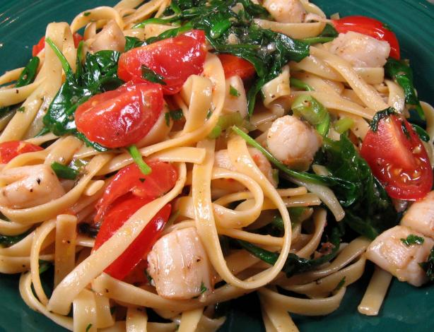 Scallops and Pasta Florentine