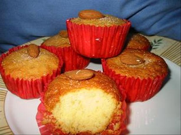 Honey Sponge Cupcakes
