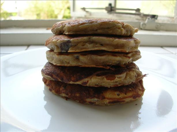 Banana, Raisin, and Oatmeal Pancakes