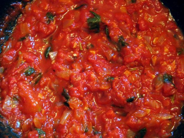 Great Basic Tomato Sauce