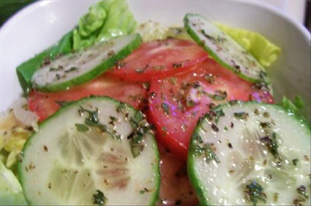 Garlic & Herb Salad Dressing