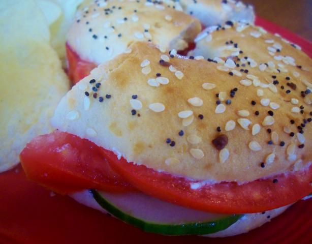 vegetarian bagel sandwich