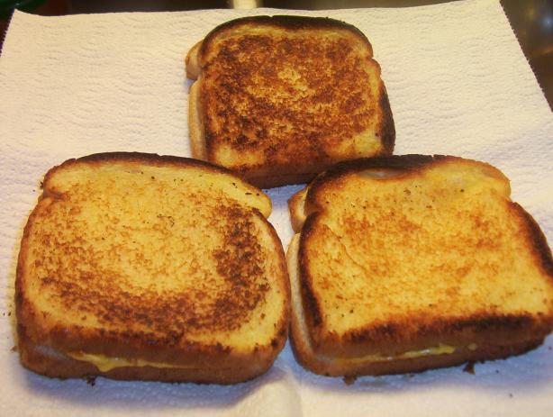 Grilled Cheese Sandwiches for Many
