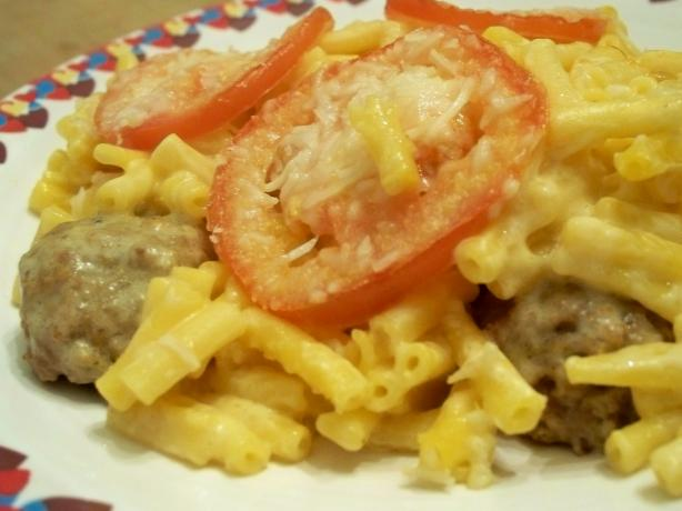 Baked Macaroni and Cheese With Meatballs