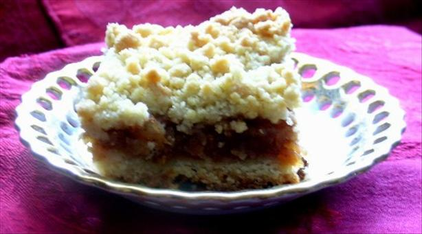Apple Cake with a Crumble Topping