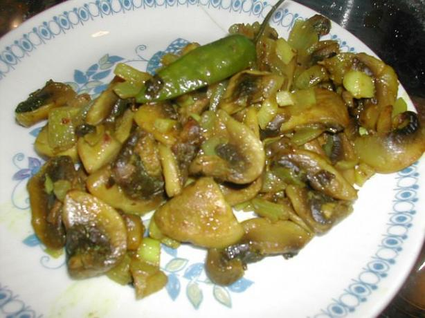 Spicy Mushrooms With Ginger and Chilies