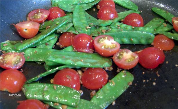 Sugar Snap Peas with Tomatoes and Garlic