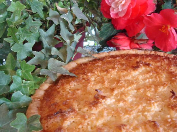 Cloie's Coconut Macaroon Pie