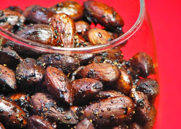 Peppered Almonds