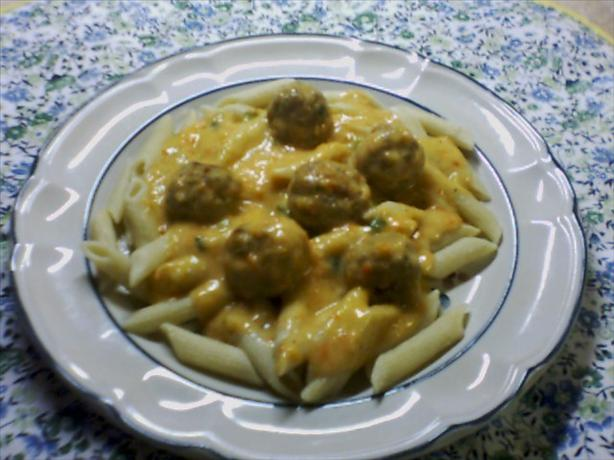 Penne and Meatballs with Red Pepper Sauce