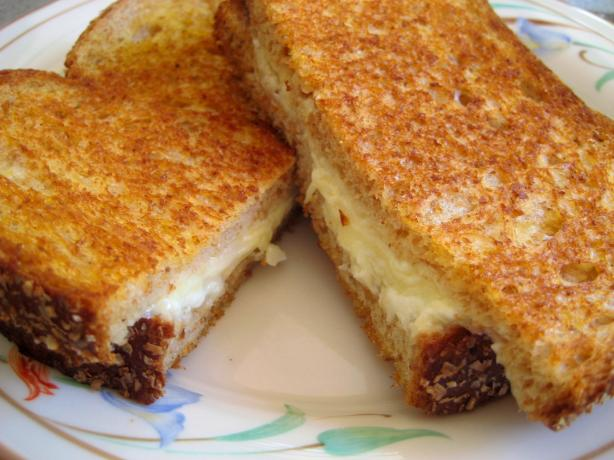 Ultimate Grilled Cheese - Gotta Try This!