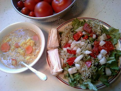 Fresh Tomato and Bean Soup