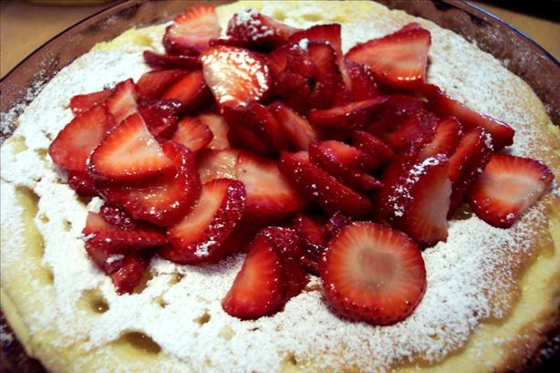 Puffed Pancake with Strawberries