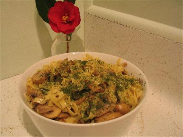 Cheesy Noodles and Mushrooms