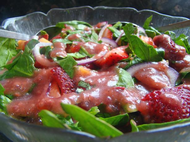 Papaya, Strawberry & Spinach Salad
