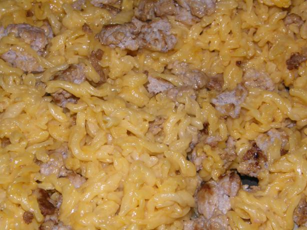 Zach's Easy-Cheesy Macaroni & Hamburger Meat