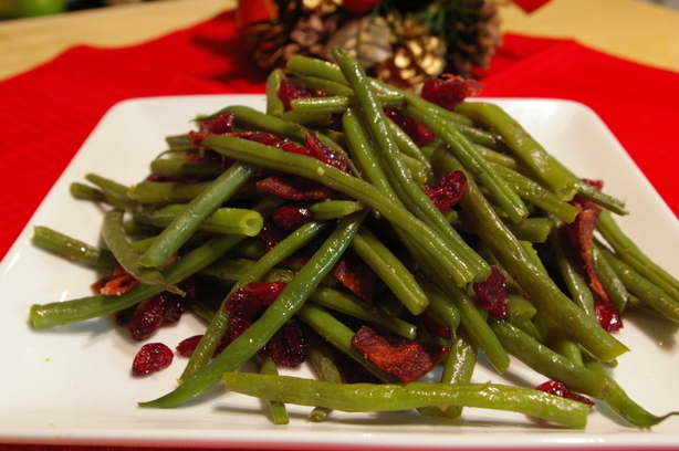 Holiday Beans With Cranberries